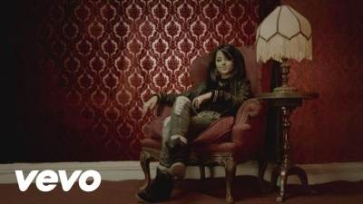 Becky G ft. Will.I.Am - I'm a monster - монстры на каникулах