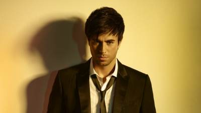 Enrique Iglesias - Bailamos (Groove Brothers Mix)